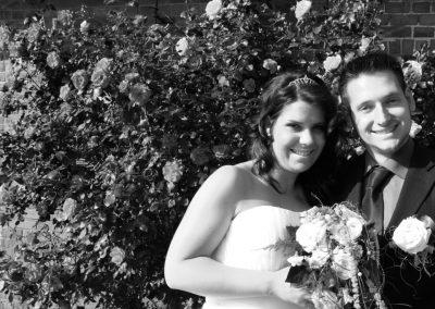 Brautpaar im Park / Stralsund Schwarzweiß Fotografie von Christof Plautz