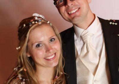 Brautpaar im mobilen Fotostudio in Uetersen Hochzeitsfotograf Christof Plautz