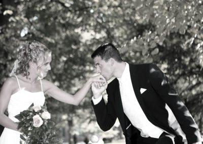 Romantische Hochzeitsfotos in s/w aus Haseldorf © Christof Plautz