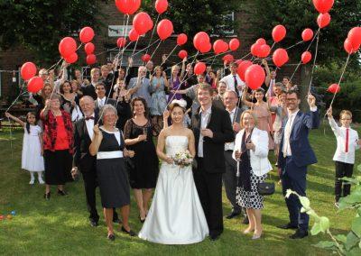 Hochzeitsgesellschaft in Haseldorf fotografiert von Christof Plautz