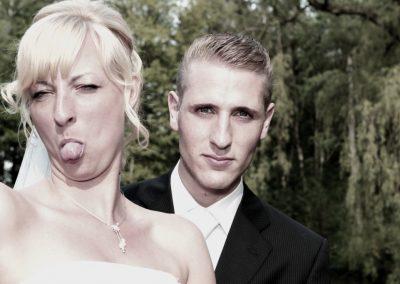 Freche Hochzeitsfotografie in Tornesch vom Fotoraf Christof Plautz