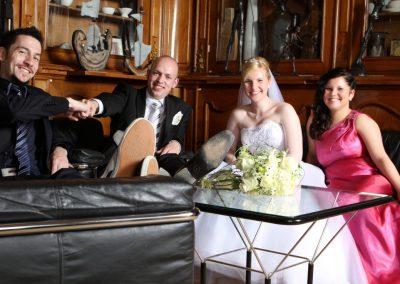 Hochzeitspaar mit Trauzeugen bei Schwerin Fotograf Christof Plautz